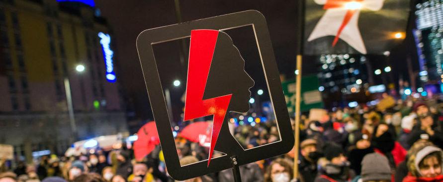 in-polonia-e-entrata-in-vigore-la-contestata-legge-sull'aborto