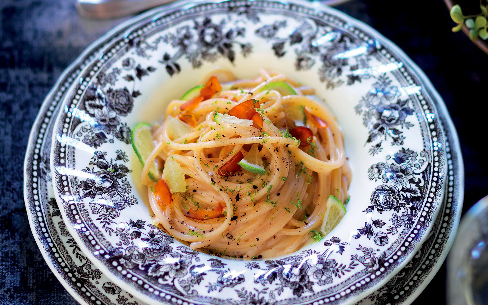 spaghettoni-cacio,-pepe-e-bottarga