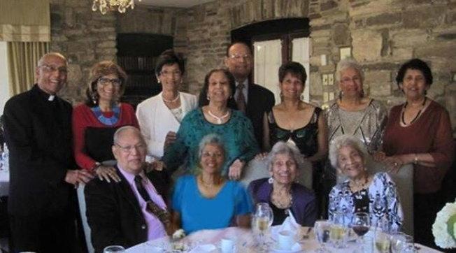 la-famiglia-d'cruz-e-da-record:-ecco-i-12-fratelli-che-insieme-fanno-1.042-anni