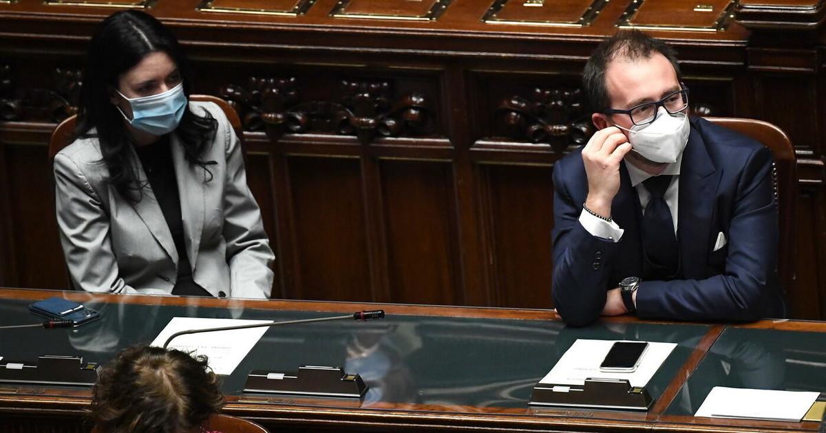 """""""bonafede-e-azzolina-non-si-toccano"""".-conte-e-grillini,-andate-a-casa-e-sparite:-come-si-arriva-alla-rottura"""