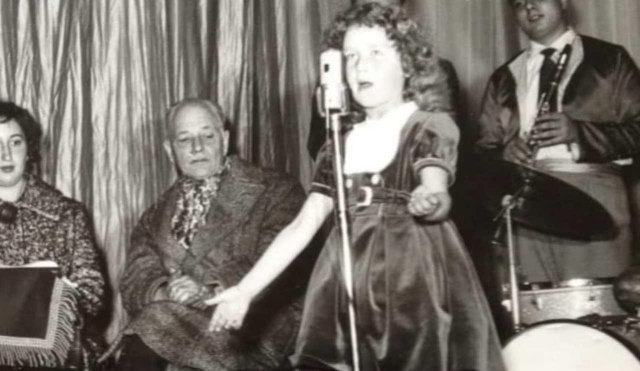 e'-la-celebre-cantante-da-bambina,-la-sua-e-una-voce-immensa:-l'avete-riconosciuta?