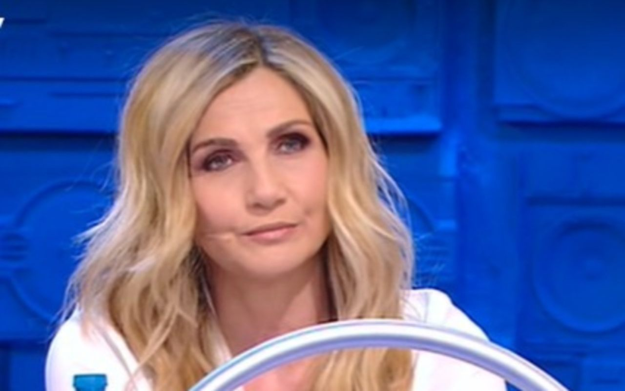 amici-2021,-lorella-cuccarini-non-ci-sta-affatto:-'hai-mancato-di-rispetto-a-tutti',-il-duro-rimprovero-alla-ballerina