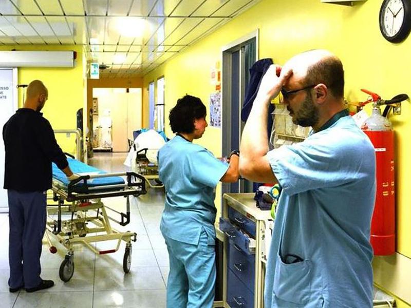 gli-oss-diventano-infermieri-in-veneto-grazie-ad-una-delibera-della-regione-ed-e-polemica.