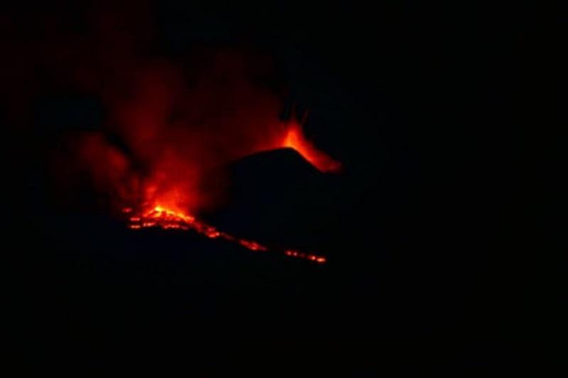 etna,-il-vulcano-si-fa-vivo-ancora:-e-il-16°-parossismo-del-mese-di-marzo