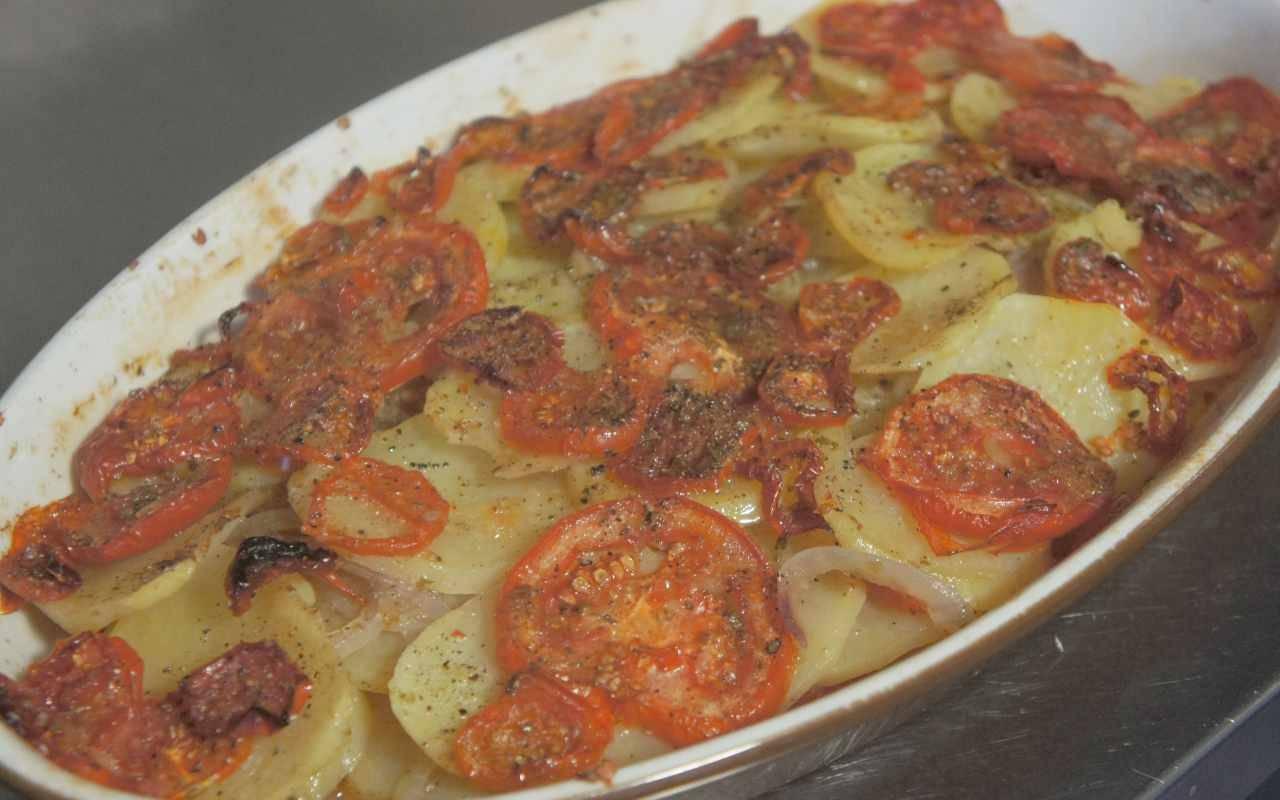 patate-alla-lucana-|-un-contorno-della-basilicata-gustoso-e-saporito