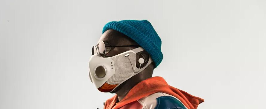 la-mascherina-tech-di-willi.am-con-le-cuffie-incorporate