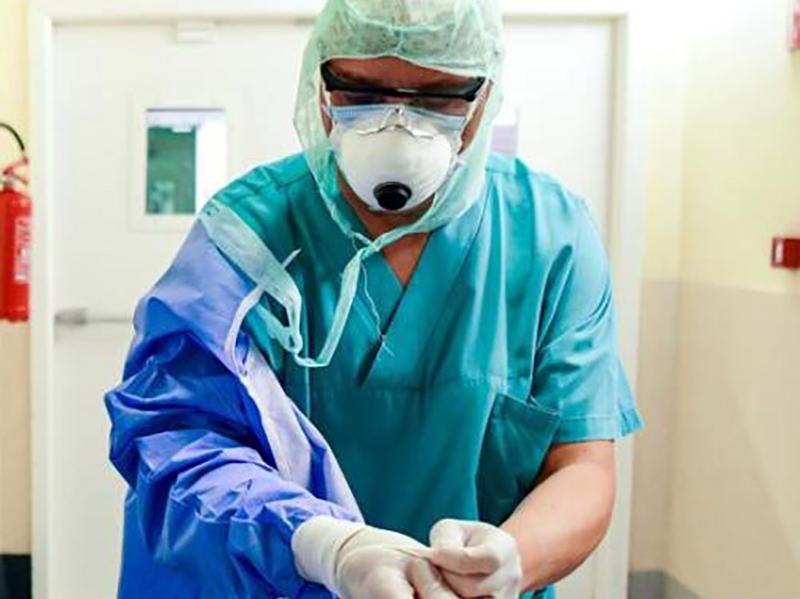 saverio,-infermiere:-a-noi-viene-chiesto-di-fare-l'oss-e-agli-operatori-di-fare-gli-infermieri.