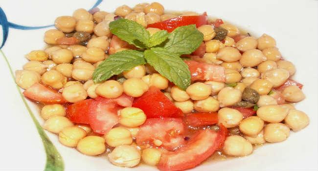 insalata-di-ceci-e-pomodori-con-capperi