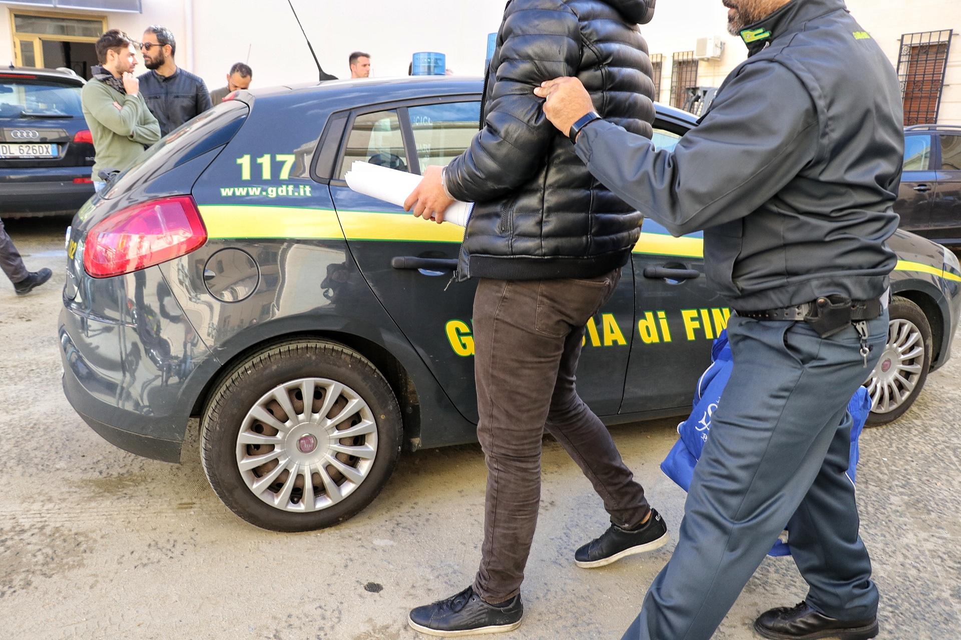 reggio-calabria,-in-corso-maxi-operazione-contro-la-'ndrangheta:-almeno-70-arresti,-sequestri-per-un-miliardo-di-euro