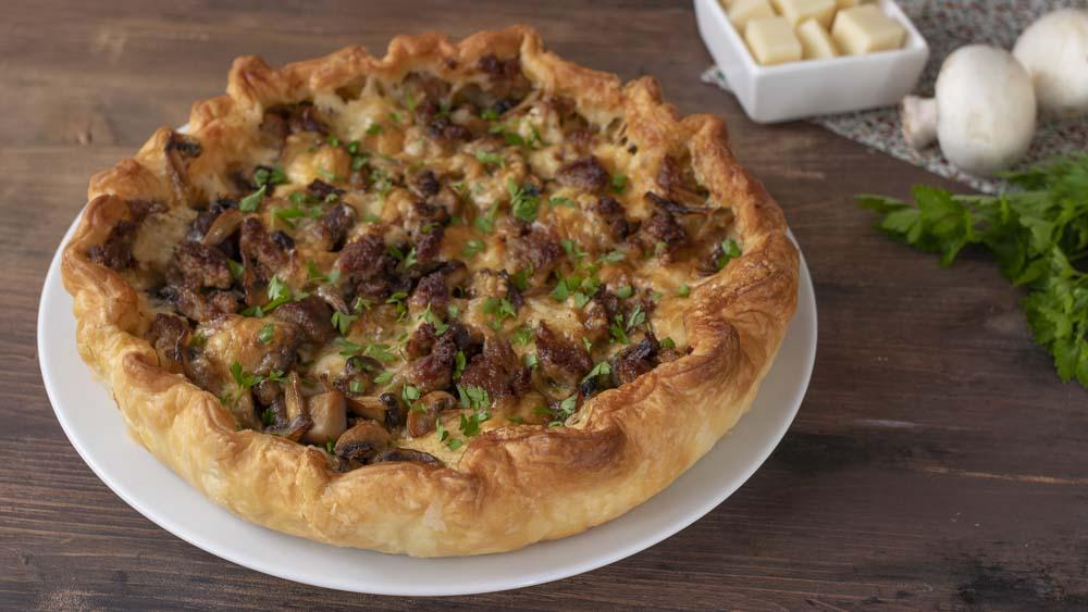 pizza-rustica-salsiccia-e-funghi