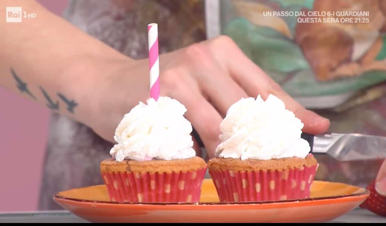 cupcakes-con-frappe,-la-ricetta-dolce-di-sara-brancaccio