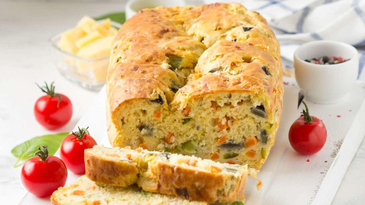Plumcake con zucchine e funghi | Gustosa e invitante nessuno resisterà