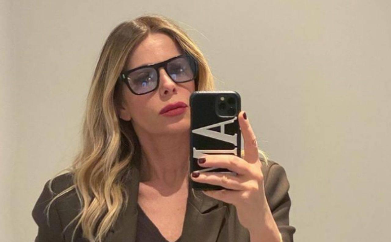 """Alessia Marcuzzi assente domani sera a Le Iene: """"Mio marito positivo al Covid"""""""