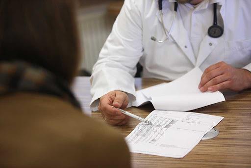 Lamezia Terme, medico aggredito da un paziente per una possibile reazione al vaccino