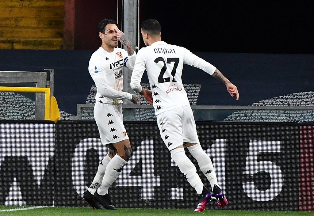 Nicolas Viola protagonista in Genoa Benevento: gol e assist per l'ex Reggina nell'accesa sfida salvezza