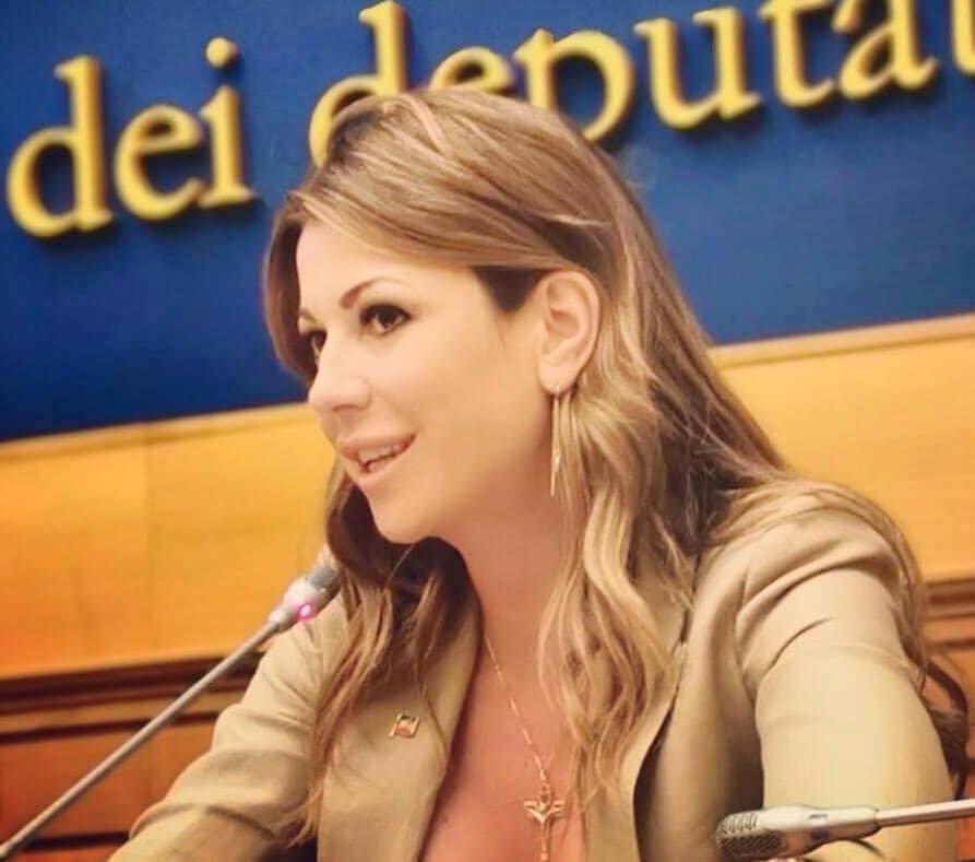 """""""Eliminare il coprifuoco"""", anche Matilde Siracusano appoggia l'hashtag #ioil22nonlovoglio: """"Non tenere gli italiani chiusi in casa"""""""