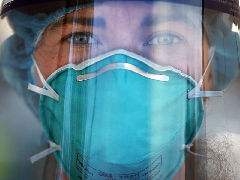 """ester,-oss:-""""perche-tutti-gli-operatori-della-sanita-possono-vaccinare-con-un-corso-e-noi-no?""""."""
