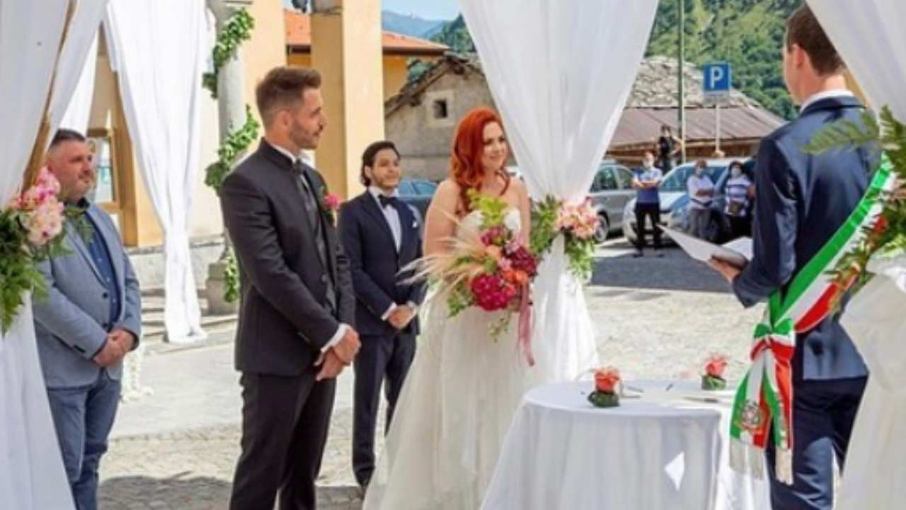matrimonio-a-prima-vista,-ex-sposa-rivela-dettagli-al-veleno-sull'ex-marito
