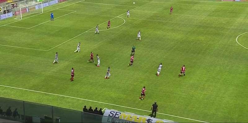 reggina-ascoli-1-0-live:-calcio-di-rigore-per-gli-ospiti
