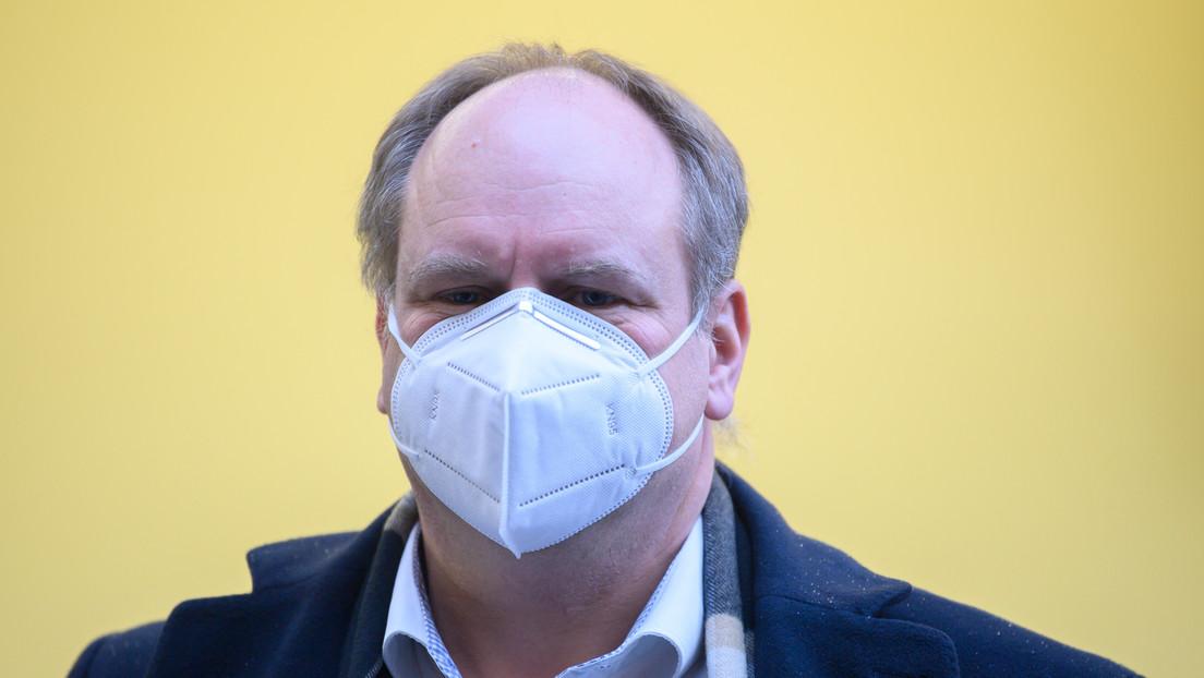 sindaco-di-dresda-dirk-hilbert-risulta-positivo-dopo-la-vaccinazione-ora-e-in-quarantena