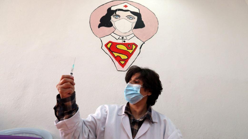"""Pediatra Rocco Russo: """"Ora i vaccini in classe. Per rassicurare i bambini pensiamo a spot con i supereroi"""""""