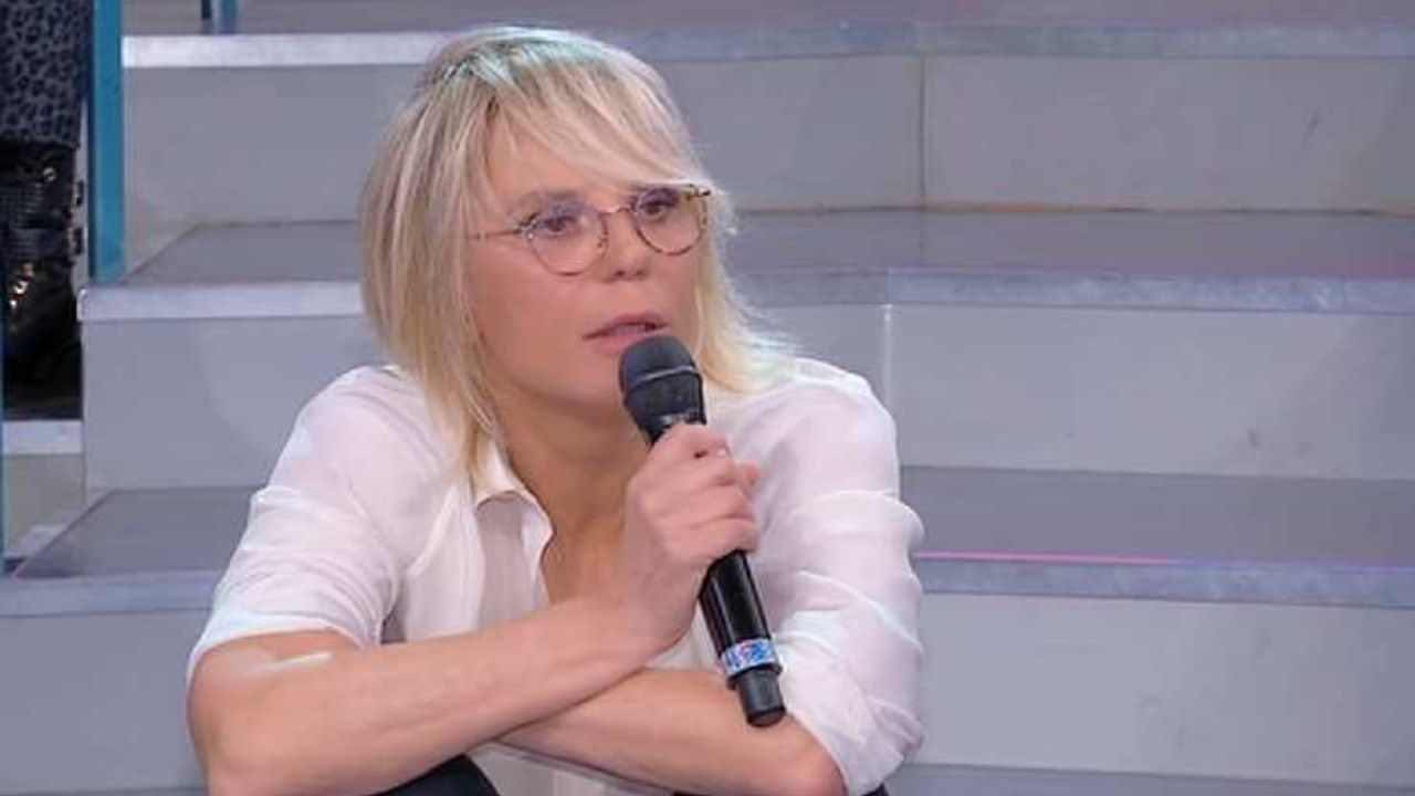 """""""Qual è il problema?"""" Maria De Filippi perde le staffe: studio in fermento"""