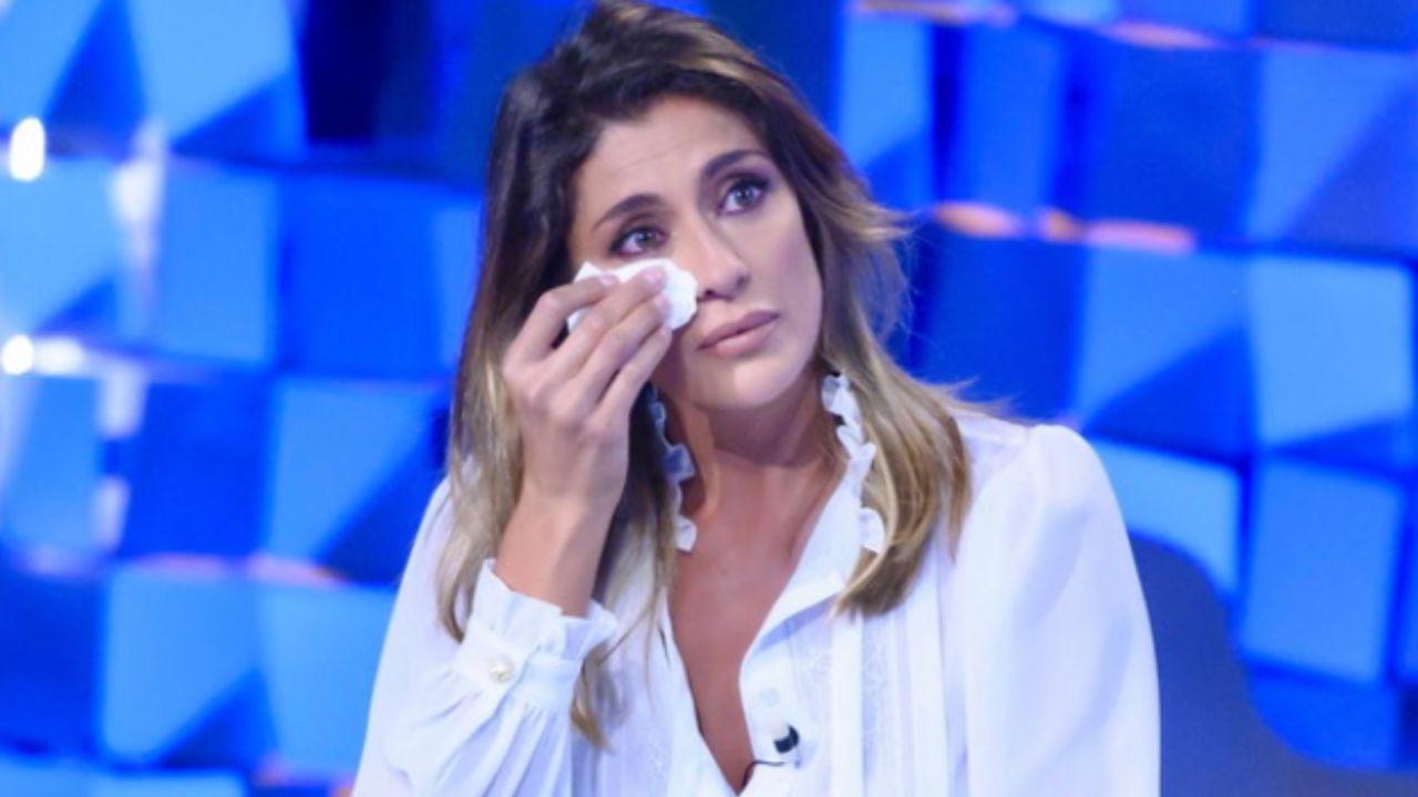 """elisa-isoardi-in-lacrime,-confessione-amara-sull'isola:-""""cosa-succede-davvero"""""""