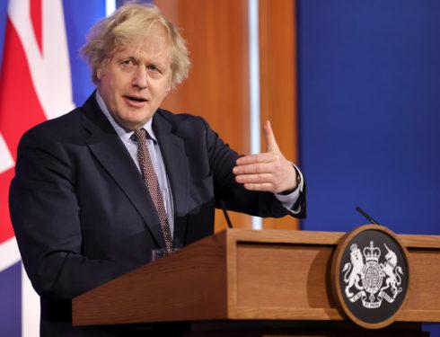 Perché molti osservatori italiani faticano a capire il successo di Boris Johnson