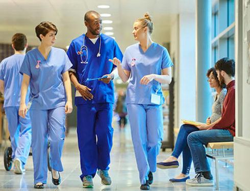 infermieri-fuori-dal-comparto,-alessia:-come-smetteremo-di-essere-semplici-dipendenti?