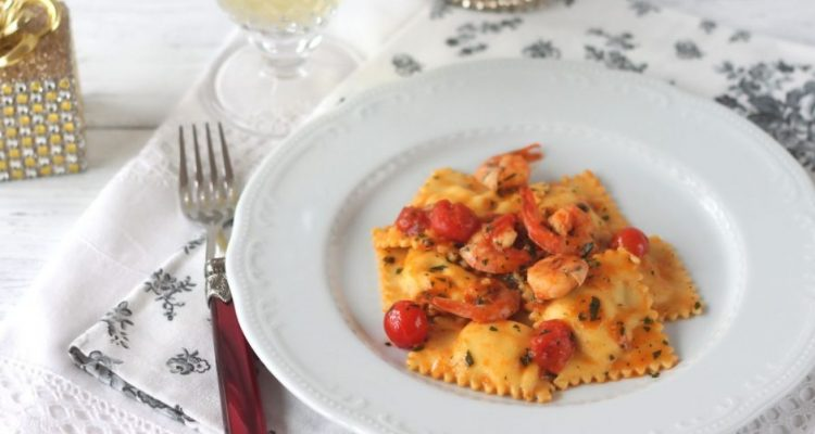 ravioli-con-gamberetti-e-pomodorini