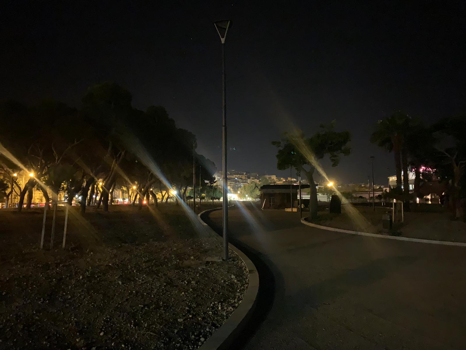 Reggio Calabria, il nuovo Waterfront si è già spento: blackout totale 3 settimane dopo l'inaugurazione, tutta l'area è al buio [FOTO]