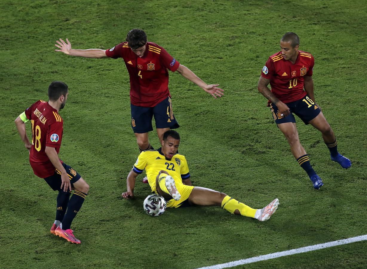 Euro 2021, quante sorprese nel gruppo E: la Spagna sbatte su Olsen, a comandare in classifica è la Slovacchia!