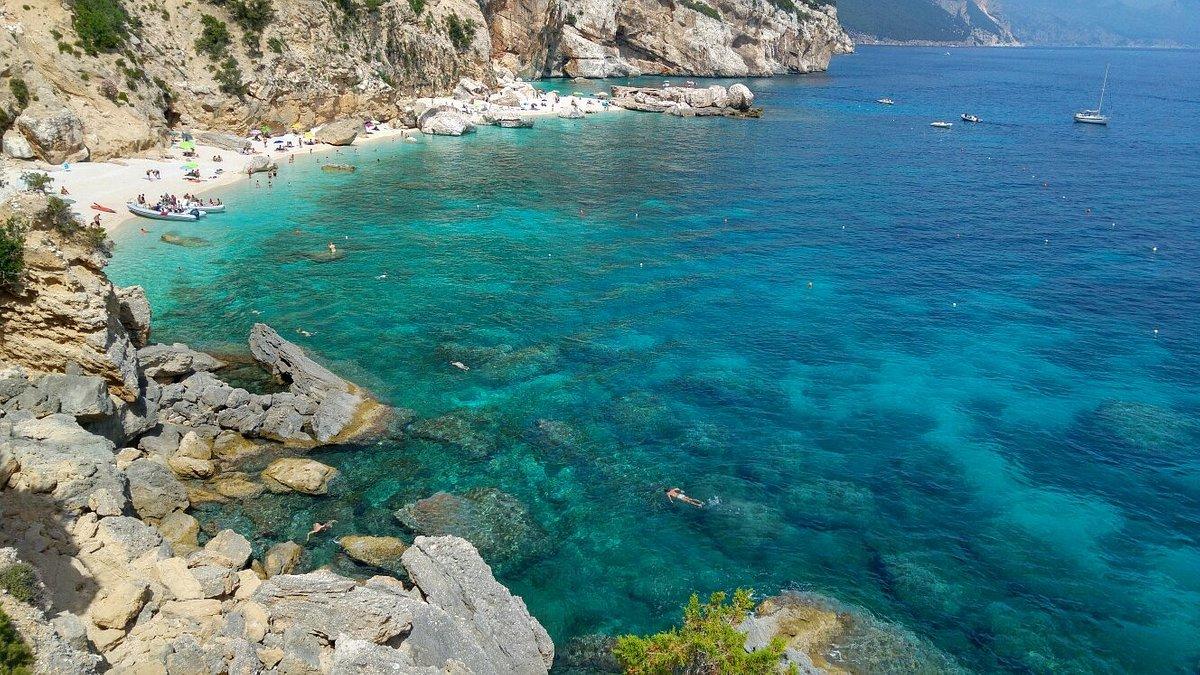 Sardegna, da oggi niente più green pass: l'isola è aperta ai turisti anche senza vaccino o tampone
