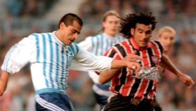 l'ex-calciatore-uruguaiano-di-48,-robert-lima,-:-si-vaccina,-poco-dopo-muore-in-campo-per-un-infarto.