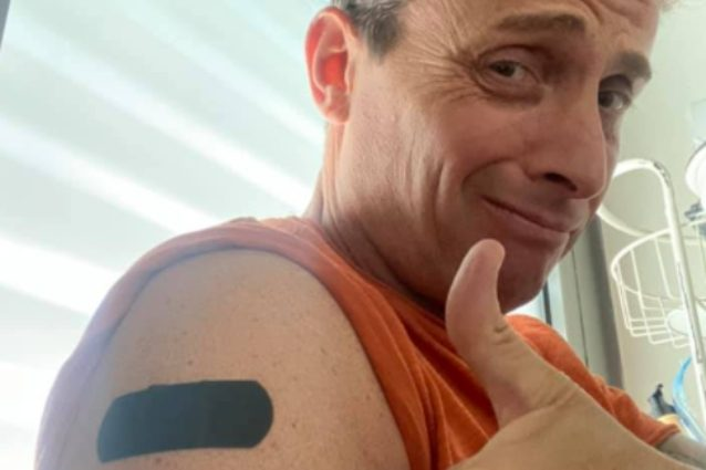 """angelo-pintus-e-il-cerotto-sul-braccio:-""""tutto-ok"""",-ma-non-e-per-il-vaccino"""