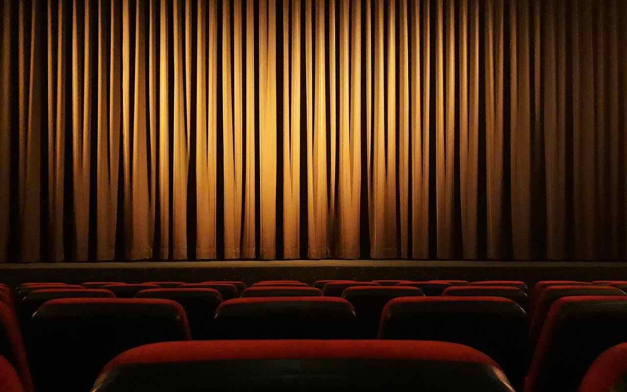 attrice-trovata-impiccata-nel-teatro:-tragedia-nel-mondo-dello-spettacolo