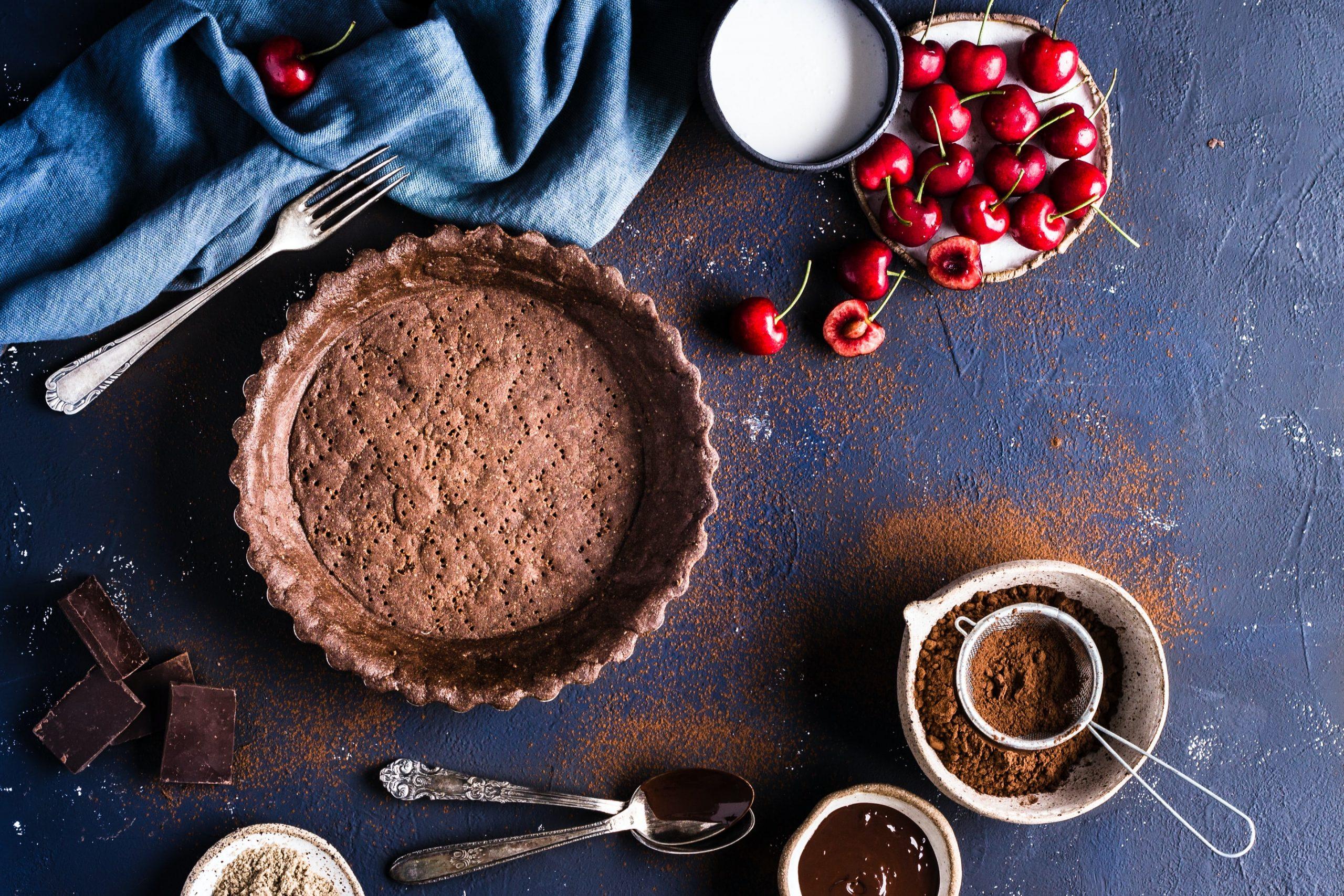 dolce-di-pasta-frolla-alla-ciliegia-e-cioccolato:-come-prepararlo