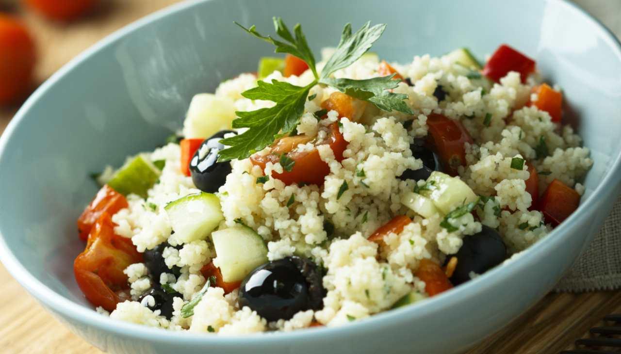 insalata-di-cous-cous-estiva-|-piatto-unico-veloce-e-ricco-di-sapore