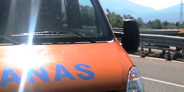 """vibo-valentia:-lavori-di-pavimentazione-sulla-a2-""""autostrada-del-mediterraneo"""""""