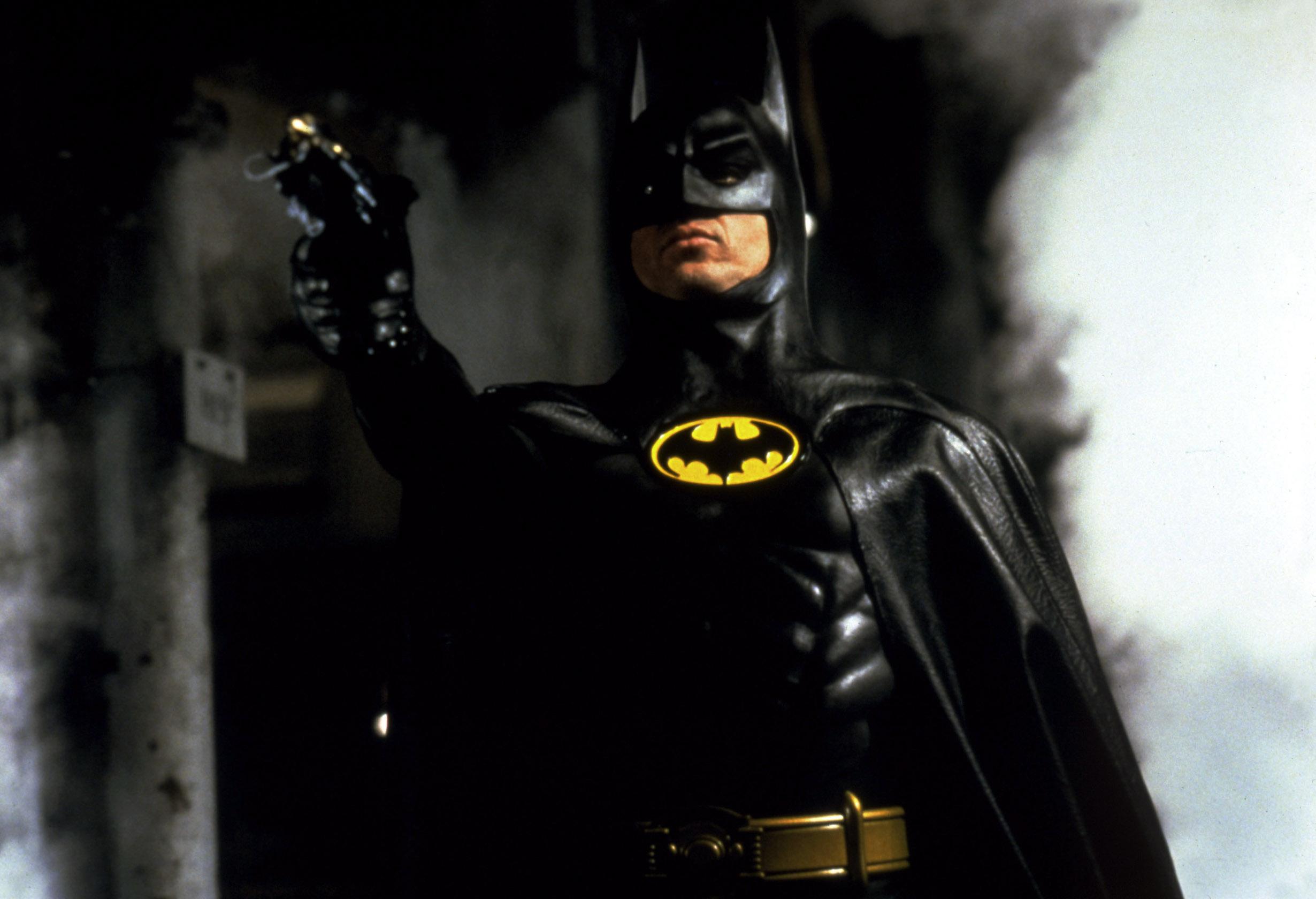 michael-keaton's-bloody-batman-costume-teased-by-'flash'-director-andy-muschietti