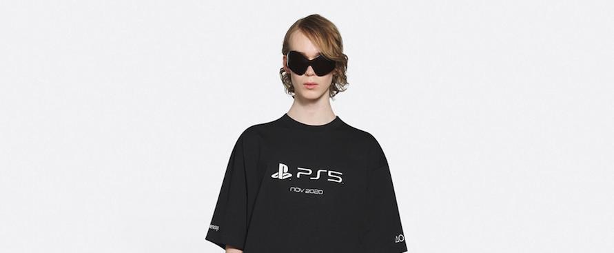 la-maglietta-ps5-di-balenciaga-e-piu-cara-della-console