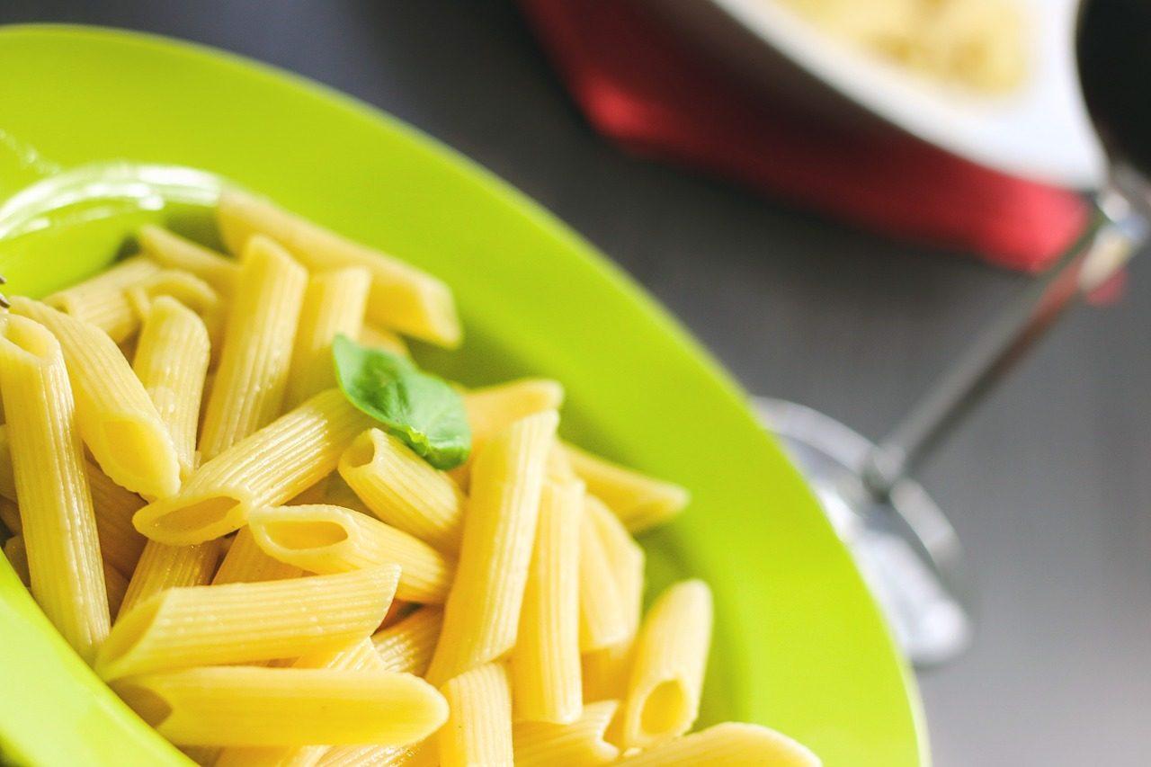 pasta-fredda-meraviglia:-pronta-in-10-minuti-e-con-un-ingrediente-segreto-che-ti-lascera-di-stucco!