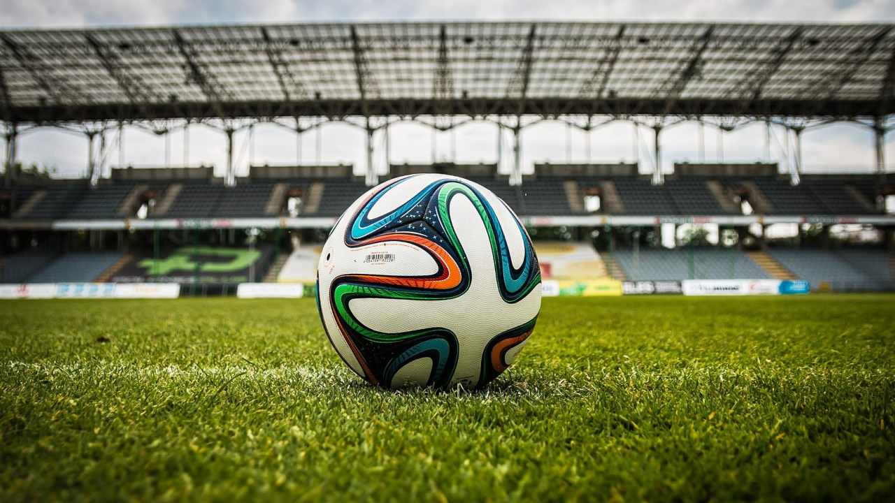 stella-del-calcio-mondiale-e-al-settimo-cielo:-lacrime-di-gioia-per-i-fan
