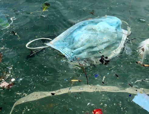 mascherine-e-guanti-sono-un-problema-ambientale-molto-serio.
