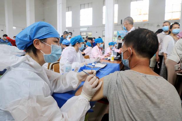 scienziato-militare-cinese-collegato-agli-stati-uniti-deposito-brevetto-per-vaccino-covid-subito-dopo-l'emergere-del-contagio
