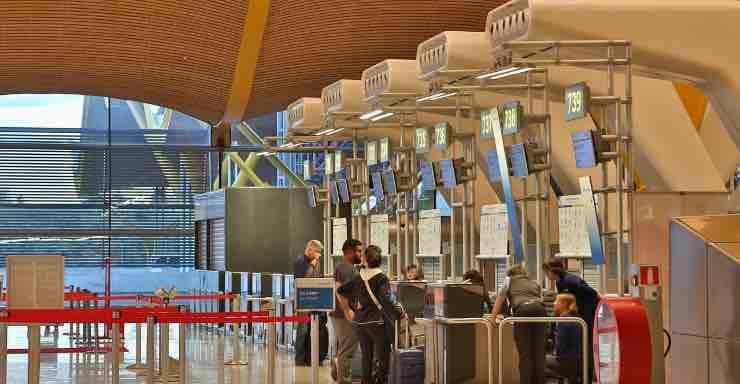controlli-in-aeroporto:-cosa-fare-e-cosa-evitare-di-indossare