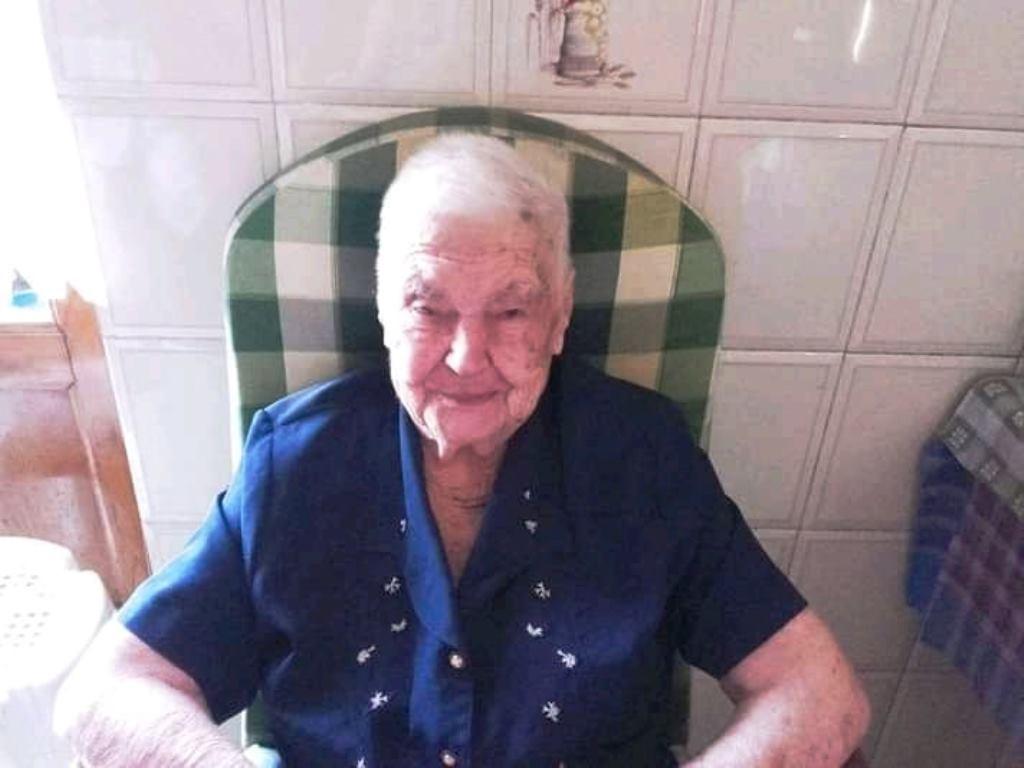 messina:-la-forza-di-nonna-calogera,-vaccino-a-105-anni