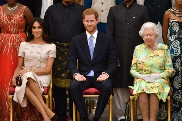 la-regina-invita-harry-a-palazzo-per-un-pranzo-ma-esclude-meghan-markle-dall'invito