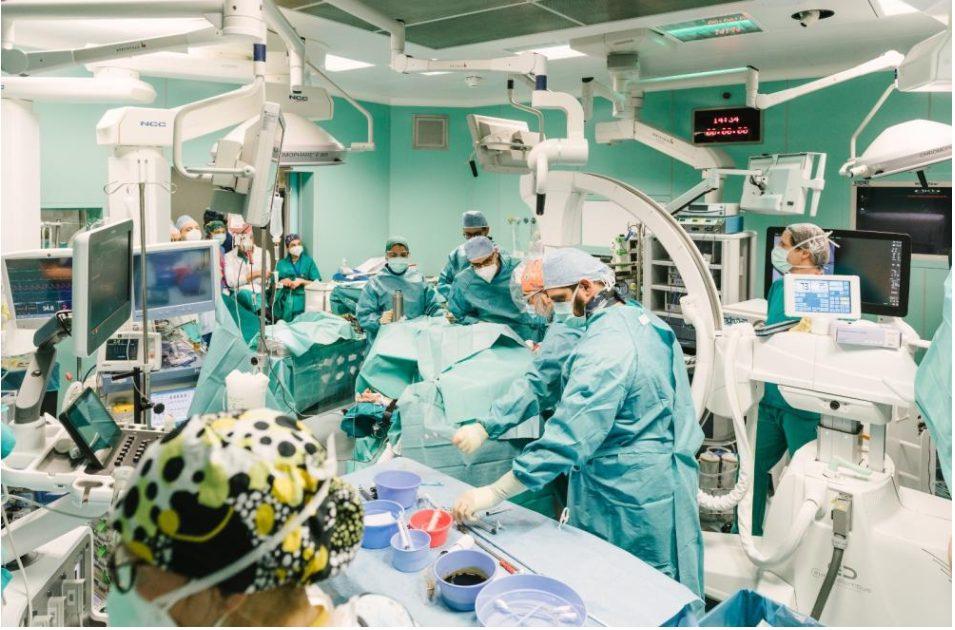 """intervento-record-a-niguarda:-tumore-al-rene-esteso-fino-al-cuore-rimosso-con-chirurgia-""""senza-cicatrici""""-grazie-all'uso-combinato-di-robot-e-cannula-aspira-tumore"""