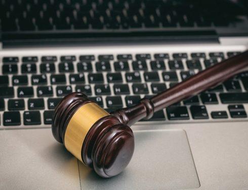 non-bastera-mai-una-legge:-il-diritto-all'oblio-e-tutelato-solo-dalla-civilta-(dei-giornalisti)